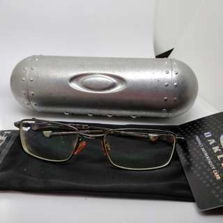 Old Oakey bottle rocket 4.0 glasses with rad metal case