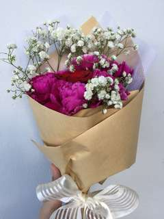 Fresh Carnations Flower with Rose Bouquet