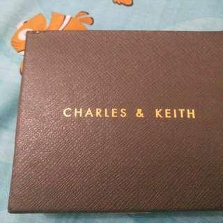 Charles and keith hitam