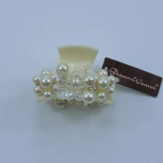 Pearl-White Hairclip (Last piece)