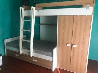 Stylish and Modern Bunk Bed w/ 2 mattress!