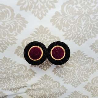 Vintage inspired Earrings (violet and black)