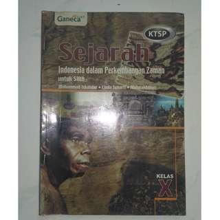buku pelajaran sejarah indonesia dalam perkembangan jaman SMA 1