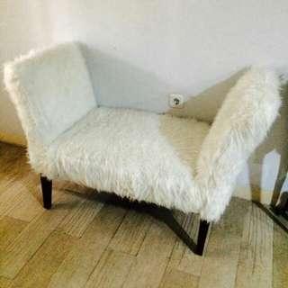 Kursi bench bulu halus warna putih bersi