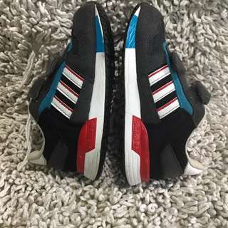 Addidas rubber shoes