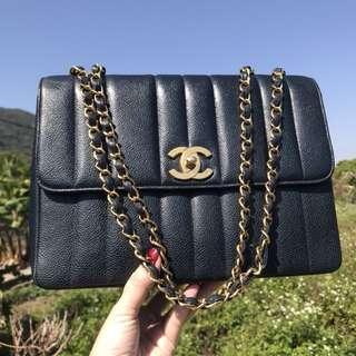 Chanel vintage 黑金豎紋魚子醬