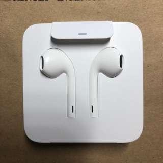Apple EarPods (Genuine, In Box, Apple Earphones)