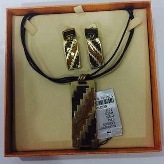 Set necklace dan anting