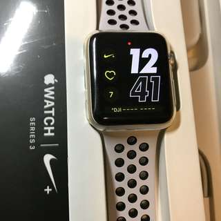 Apple Watch series 3 Nike+ 42mm (non cellular) - col silver 不議