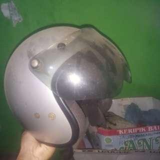 J03 Helm