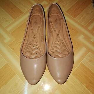 Nude Pointed Flat Shoes