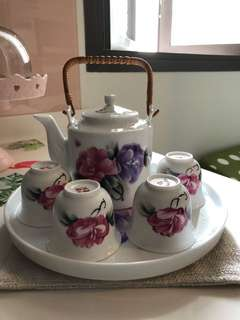 Chinese tea pot and cups