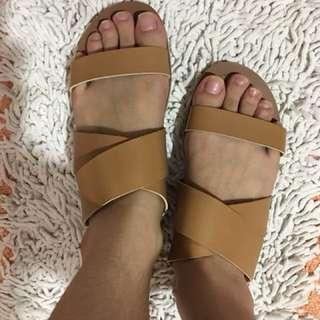 Yumi sandals
