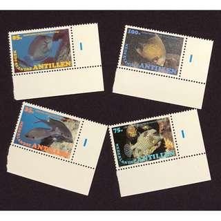 荷屬安的列斯郵票一套。全新