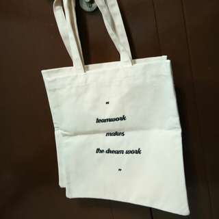 Teamwork makes your dream work tote bag
