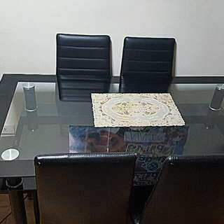 6 Seaters dining table for only 6k