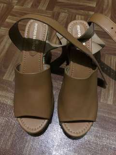 Brand New without tag espadrilles wedge shoes size US 9.5