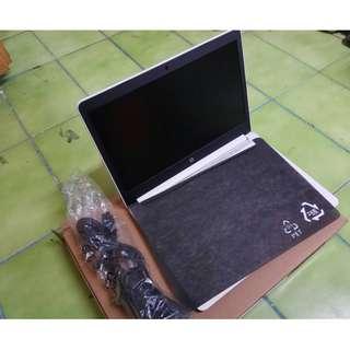 HP 14-BP039TX I5-7200U 固態1TB 5400RPM  4G WIN10