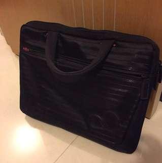 Fujitsu 13吋電腦袋