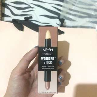 NYX Wonder Stick Highlight and Countour