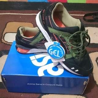 Sepatu Asics Gel- Lyte V