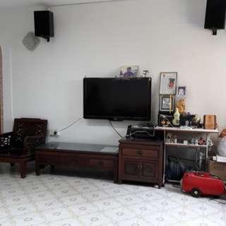 Ang Mo Kio 4 room HDB near MRT!