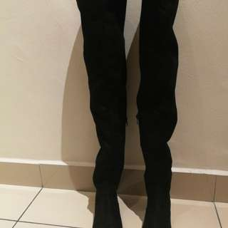 Stretchable Over knee Black Boot