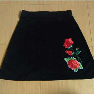 Skater skirt with patch