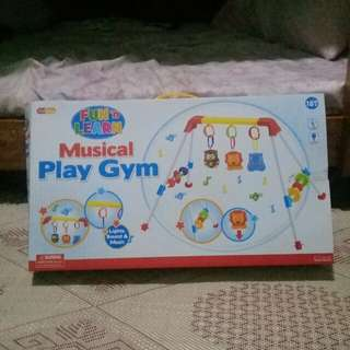 Musical play gym