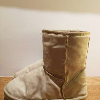 Universal Traveller Ankle Snow Boot