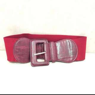 Red thick belt