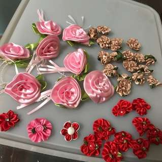 Random/ mixed fabric flowers + free postage