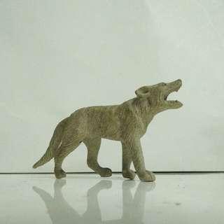 Serigala  mainan