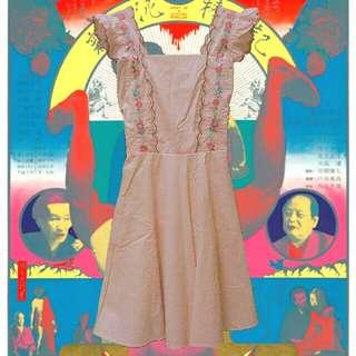 (免運)花邊女僕感刺繡洋裝
