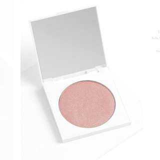 Colourpop presses powder highlighter in ANGEL FOOD