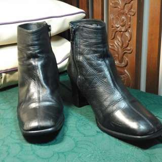Sepatu boat kulit asli no 37