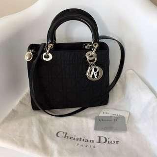 真品 很新 新款銀扣 Auth Christian Dior Lady Dior bag black黑色可斜背