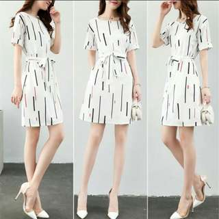 Elegant A-line dress with short sleeve