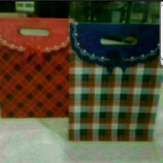 In Stock Fancy Paper Carrier Bag For Gift Goodie Bag Only L size Size L 24 × 31 × 10cm