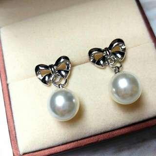 優雅珍珠瑚碟結防敏感耳環 Elegant Pearl Butterfly Knot Sensitive Earrings