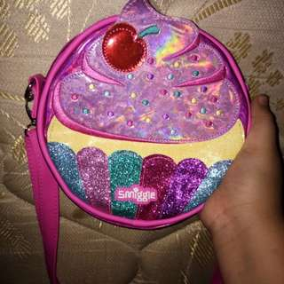 Smiggle sling cupcake bag