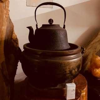 日本明治大鐵壺 (刻有富士山)