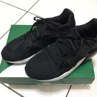 PUMA 慢跑運動鞋