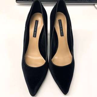 Charles & Keith 黑色絲絨尖頭高踭鞋 black textured pointed heels pump shoes 返工斯文formal高跟鞋