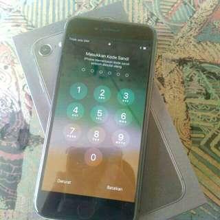 Iphone 8 64gb grey 98% sisa pemakaian