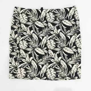 H&M tropical leaf print bandage skirt (good as new, used once)