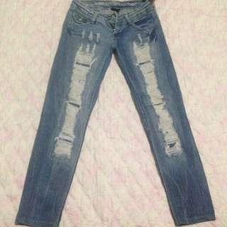Brandnew Ripped Jeans