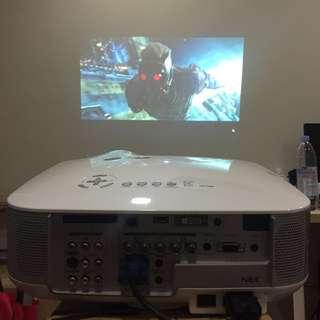 projector NEC NP1000.