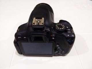 Canon EOS REBEBL T5i