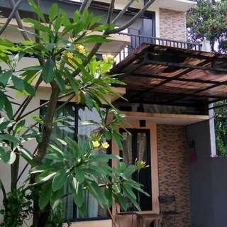Dijual rumah tingkat di cluster daerah ciganjur, Jagakarsa Jakarta Selatan di bawah harga pasaran (Nego)